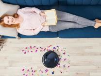 Si ta pastroni shtëpinë pa lëvizur nga divani?